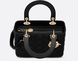 $enCountryForm.capitalKeyWord UK - 2019 Designer Sport Bag Lingge Ladies Sheepskin Diana Shoulder Bag European Classic Fashion Models Handbag Christian 3 Colors