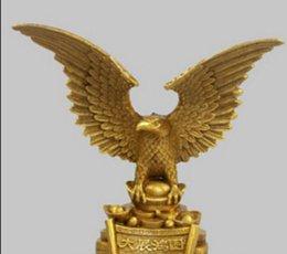 Venta al por mayor de ESTATUA DE COBRE 6 '' China Exquisita Alas de Latón Puro Flying Eagle Hawk Stand Estatua