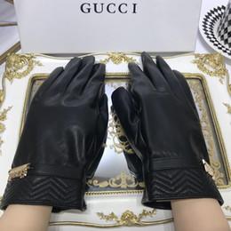 $enCountryForm.capitalKeyWord Australia - Brand Warmed Leather Gloves for Women Men Designer Warmed Gloves Mittens Genuine Leather Five Fingers Gloves