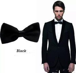 Wholesale Black Groom Bow Ties for Men Suits Fashion Men Formal Occasion Formal Wear Tuxedos Bow Ties Best Match