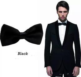 Black Groom Noeud papillon pour hommes Costumes Mode Hommes Occasion formelle Tuxedos Noeud papillon