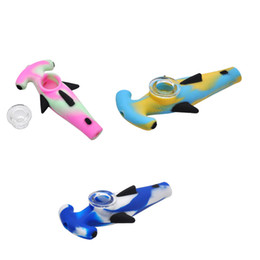 $enCountryForm.capitalKeyWord Australia - 10 Pcs lot Silicone Shark Smoking Pipes Tobacco Water Pipe With Glass Bowl Smoking Accessories 122 Mm
