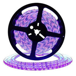16.4ft LED UV Siyah Işık Şeridi, 300 Birim ile 12 V Esnek Blacklight Fikstür UV Lambası Boncuk, 24 W Su Geçirmez Işıklar indirimde