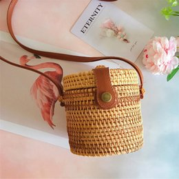 Straw Hands Bag Australia - Handmade Beach Straw Woven Bags Fashionable Storage Single Shoulder Messenger Cylinder Travel Vacation Crossbody Women Hand Bag