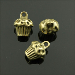 $enCountryForm.capitalKeyWord Australia - 100pcs 3D Cake Pendant Charms For Jewelry Making 2 Colors Antique Bronze Antique Silver Cupcake Charms Charm 3D Cupcake 13x10x8mm