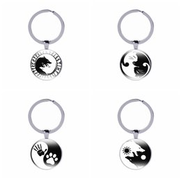 $enCountryForm.capitalKeyWord Australia - Canuomen 10 pcs lot Yin Yang Keychain Glass Cabochon Product Ying yang Keyring Birthday Gift Tai Chi Pendant Key Chain