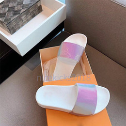 Colorful womens shoes online shopping - Luxury Designer Flip Flops Mens Womens Summer Sandals Beach Slide Slippers Ladies Sandali Firmati Da Donna Shoes Classic Laser Colorful