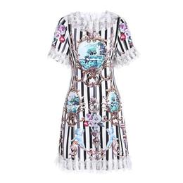 90497de5917 2019 женщин взлетно-посадочной полосы платья O шеи короткими рукавами  полосатый цветочные печатных кружева лоскутное мода дизайнер платья