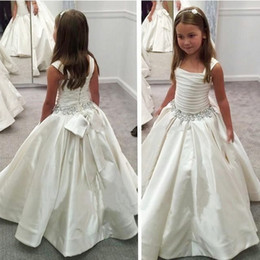 Wholesale Scoop A Line Beaded Crystals Sequins with Bow Satin Floor Length Glamorous Wedding Dresses Flower Girl Dresses New Arrival Cute