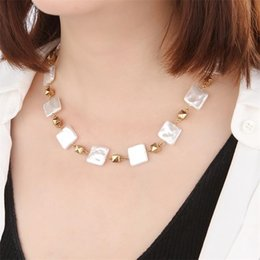 wholesale metal chokers UK - White Imitation Pearl Chokers Necklace Square Pear With Metal Necklace Women Statement Jewelry For Party
