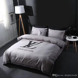 embroidered bedding designs 2019 - L Letter Embroidery Bedding Suit Full Size Spring Brand Duvet Cover Pure Color Fashion Design 5Pcs Bed Sheet cheap embro