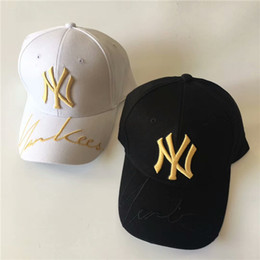 Discount men fashionable cap - Fashionable men and women ball cap letter signature design ball cap sunshade travel essential ball cap can be wholesale