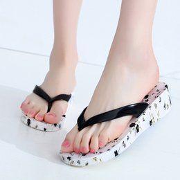 floral print shoes for women 2019 - Summer Printed Cartoon Wedge Flip-flops For Ladies Trendy Non-slip Beach Women Slipper Natural Latex Woman Shoes discoun