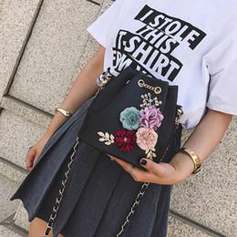 $enCountryForm.capitalKeyWord Australia - Handmade Flowers Bucket Bags Mini Shoulder Bags With Chain Drawstring Small Cross Body Pearl Leaves Decals