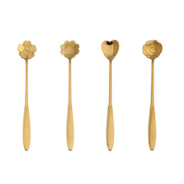 Wholesale Long handle flower and heart designs stainless steel teaspoons stirring mixing ice cream coffee spoon scoop