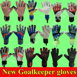 19 20 New Soccer Goalkeeper Gloves Finger Protection Professional Men Football Gloves Adults Kids Thicker Goalie Soccer Gloves Fast Shipping on Sale