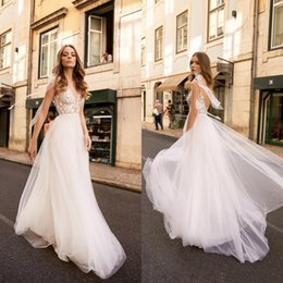 Chinese  2019 Beach Berta Lace Backless Boho Wedding Dresses V Neck A Line High Split Bohomian Bridal Gowns Sweep Train Tulle robe de mariée manufacturers