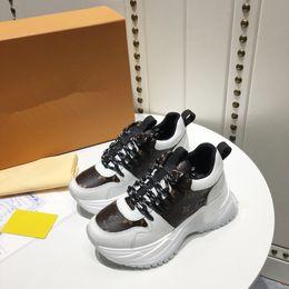 Ingrosso Luxury Designer Men Casual Shoes Men Casual Shoe Luxury Designer Sneakers Mens Womens Fashion Sneakers Casual Scarpe in pelle lh19021502
