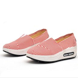 Spring Fall Canvas Shoes Australia - AIKE Asia new Women Shoes Casual Fashion Sneaker shake Shoes Spring Summer Fall Loafers women's canvas Wedges single