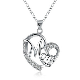$enCountryForm.capitalKeyWord Australia - Mom Pendant Necklaces Crystal Diamond Heart Shaped Charms Fashion Love Mom Jewelry Mother Birthday Day Jewellery Gift Silver Rose Gold Color