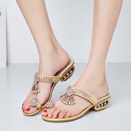 $enCountryForm.capitalKeyWord Australia - JELLYFOND Crystal Flip Flop Women Sandals Slippers Women Summer Beach Shoes Slipper 2019 Luxury Rhinestone Wedding Shoes Slides