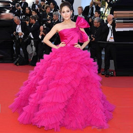 Cannes Festival Evening Gowns Australia - Araya Hargate Ruffles Fuchsia One-shoulder Backless Princess Prom Ball Gowns 2018 Cannes Film Festival Celebrity Evening Dresses