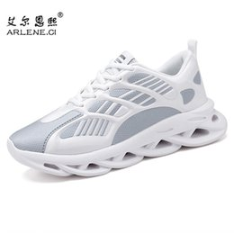 male tennis shoes NZ - Tenis Feminino 2020 Tennis Shoes for Men Comfortable Cushioning Breathable Sport Shoes Male Platform Sneakers Chaussure Femme