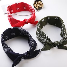 wrist stick Canada - New Arrived Unisex Hip Hop Black Bandana Fashion Headwear Hair Band Neck Scarf Wrist Wraps Square Scarves Print Handkerchief