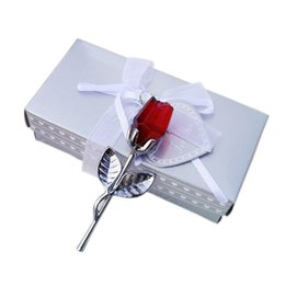 Small red roSeS online shopping - Crystal Rose Ornament Red Silvery Spring Wedding Favors Party Gift Metal Romantic Fan Meetings Simple Small Souvenir blC1