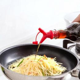 Duplo Rolha De Boca De Garrafa De Óleo Garrafas De Molho Bico Tampas De Vinho Rolha Despeje O Líquido Dispositivo de Orientação Ferramentas Da Cozinha em Promoção