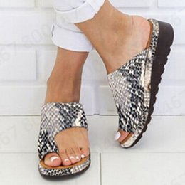 feet clips 2019 - Women's PU Leather Shoes Thick Bottomed Sandals Shoes Clip Toe Summer Beach Flat Soft Big Toe Foot zapatos de mujer