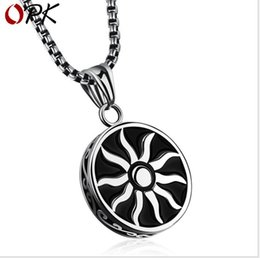 $enCountryForm.capitalKeyWord Australia - Titanium Steel Men's Necklace European and American Personality Necklace Sun God Fashion Pendant