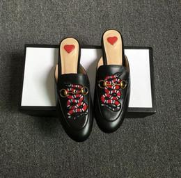 shoe boots heels 2019 - fashion luxury designer men shoes moccasin boots designer slippers gladiator sandals Straw luxury flip flops pink sandal