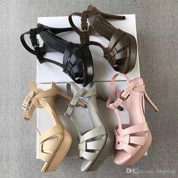 Novo designer Tribute Patent couro macio Platform Sandals sandálias de salto agulha T-cinta Sapatos senhora Bombas 10 centímetros e 14 centímetros com caixa venda por atacado
