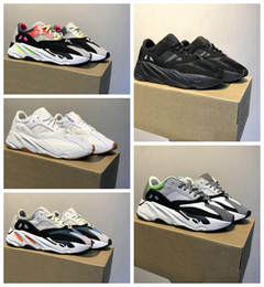 Soft Soled Shoes Australia - Fashion new style men's and women's leisure shoes Soft and comfortable soles with laces Free mailing sizes 36-45