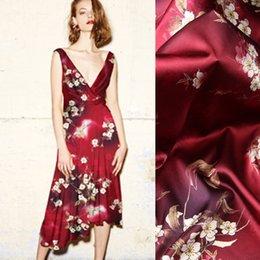 Red Fabrics NZ - 118CM Wide 19MM 93% Silk & 7% Spandex Floral Print Stretch Green Red Silk Satin Fabric for Dress Cheongsam D999