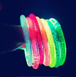 $enCountryForm.capitalKeyWord Australia - LED Flashing Bracelet Light Up Acrylic Wristband Party Bar Christmas Luminous Bracelet Toys for Children YH1762