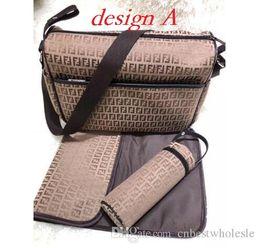 Ingrosso Nursing borsa Bambino Diaper Bag con interfaccia USB di grande capienza impermeabile Nappy Bag Mummy Maternity Kit