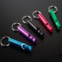 Wholesale Free DHL Mini Aluminum Alloy Whistle Keyring Keychain For Outdoor Emergency Survival Safety Sport Camping Hunting Tools Random Color M70R
