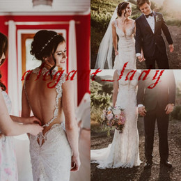 Sexy long dreSS dance online shopping - Mermaid Lace Beaded Wedding Dresses Sexy V neck Stunning Keyhole Back Trumpet Outdoor Country Boho Dancing Garden Wedding Gown
