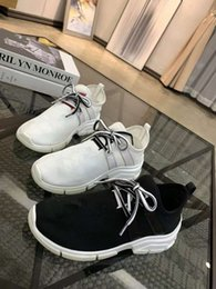 Ingrosso All'ingrosso di New Style Causal Shoe Man Bianco Rosso Low Cut Sneaker Fashion Arena Designer Shoes Drop Shipping Taglia 35-40 yz19011904