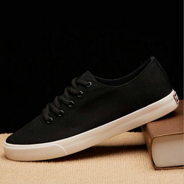 $enCountryForm.capitalKeyWord Australia - Summer Breathable Black Red Bule White Casual Vulcanized Shoes Boys lace up Breathable Flats Classic Men Canvas Shoes NN-19