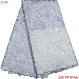 China 2018 African Hand cut Lace Fabrics High Quality White Cotton Lace Fabric Swiss Voile With Stones Swiss Voile Lace In Switzerland BG-107 cheap white african swiss lace suppliers
