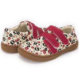 Wide Canvas Shoes Australia - Fashion canvas shoes Kids Children barefoot Shoes For Boys And Girls kiss printed sneaker 25-35
