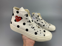 $enCountryForm.capitalKeyWord Australia - 01 2019 New Play All Stars shoe 1970S CDG Canvas Jointly Big With Eyes Hearts Brand Beige Black designer casual running Skateboard Sneakers