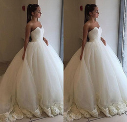 Sexy Unique Red Wedding Dresses Australia - Unique Design A Line Sweetheart Plus Size Wedding Dresses Ruched Ivory Tulle 3 D Flowers Lace Up Bridal Wedding Gowns