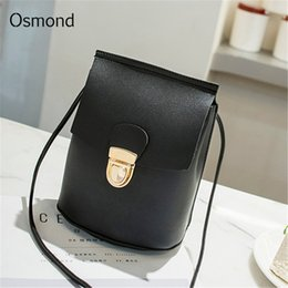 Cheap Fashion Feminina Bolsa Small Messenger Crossbody Bags For Women  Handbag Solid Faux Leather Bucket Bags Lock Phone Bags Clutch Purses 6babf0c27342e