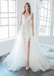 $enCountryForm.capitalKeyWord Australia - Charming 2019 Sheath Lace Wedding Dresses With V-Neck Zipper Back Detachable Skrit Fitted Bridal Gowns With High Split Cheap Wedding Dress