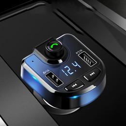 Venta al por mayor de Bluetooth Car Kit Transmisor FM Reproductor de MP3 con LED Dual USB 3.1A Cargador rápido Pantalla de voltaje Reproducción de música Accesorios para autos