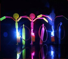 parachute arrow NZ - [TOP] 1200PCS lot LED Amazing flying arrows helicopter umbrella light parachute Outdoor luminous Flash dragonfly kids baby toy